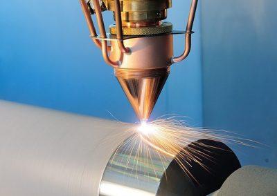 Extremes Hochgeschwindigkeits-Laserauftragsschweißen